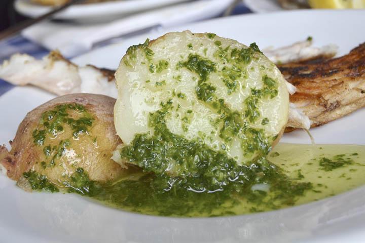 spain_tenerife_papas_with_mojo_canary_islands_food_thinkstockphotos-480816225