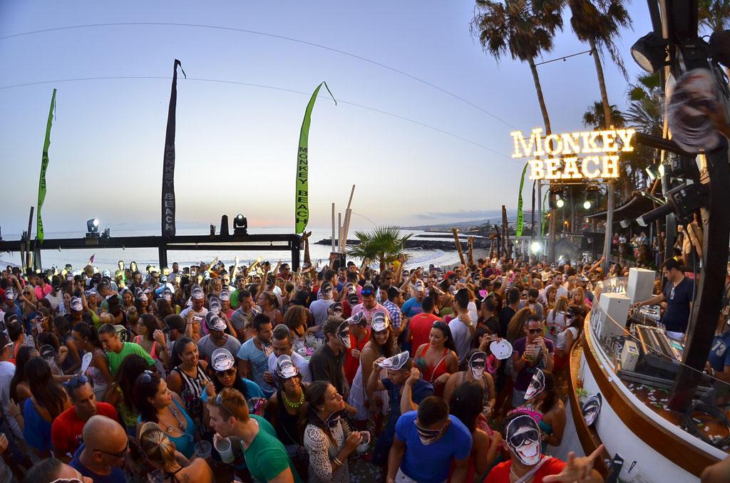 Monkey-Beach-Club-Parties-40